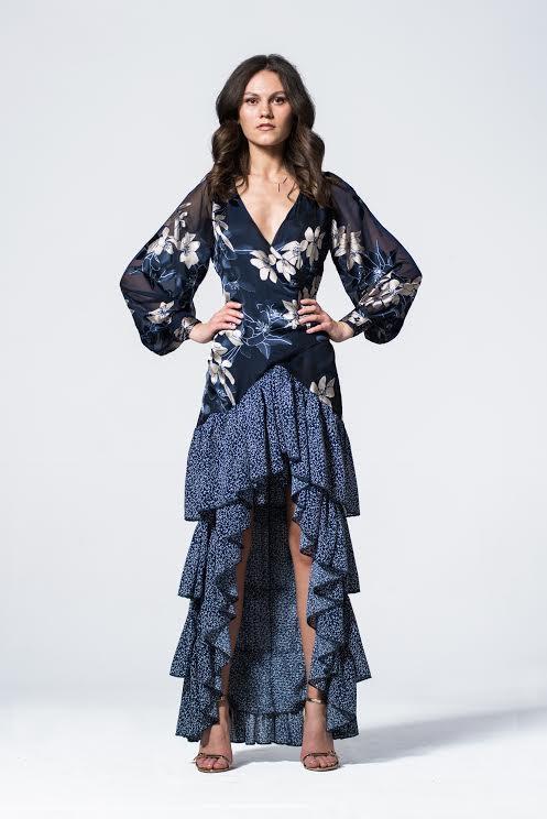 SENA jedwabna sukienka maxi z falbanami